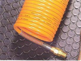 コイル状樹脂チューブ
